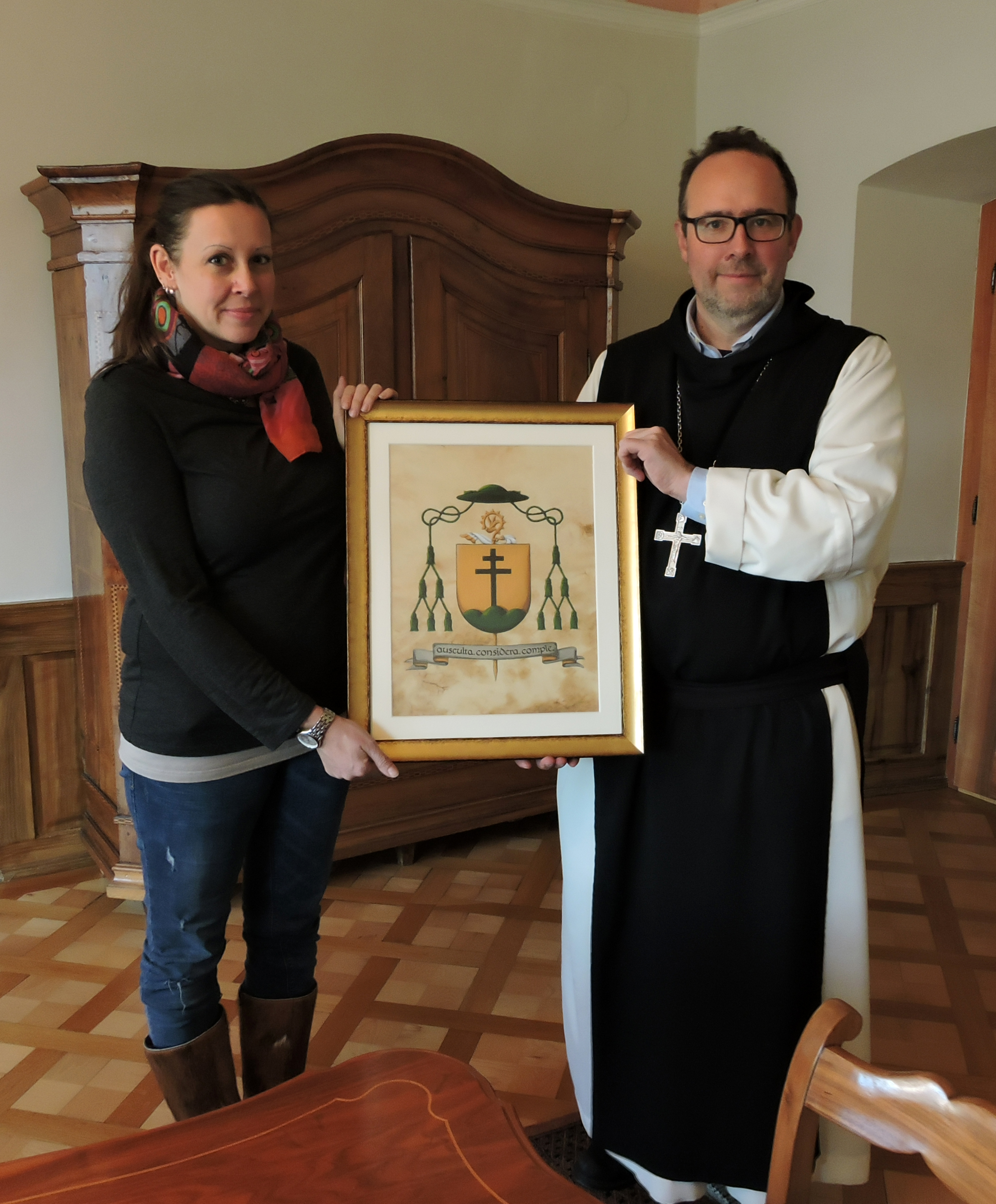 Abt Vinzenz und Karin Wappenübergabe Mehrerau Dez 2018_3